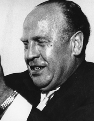 how many jews did oskar schindler save